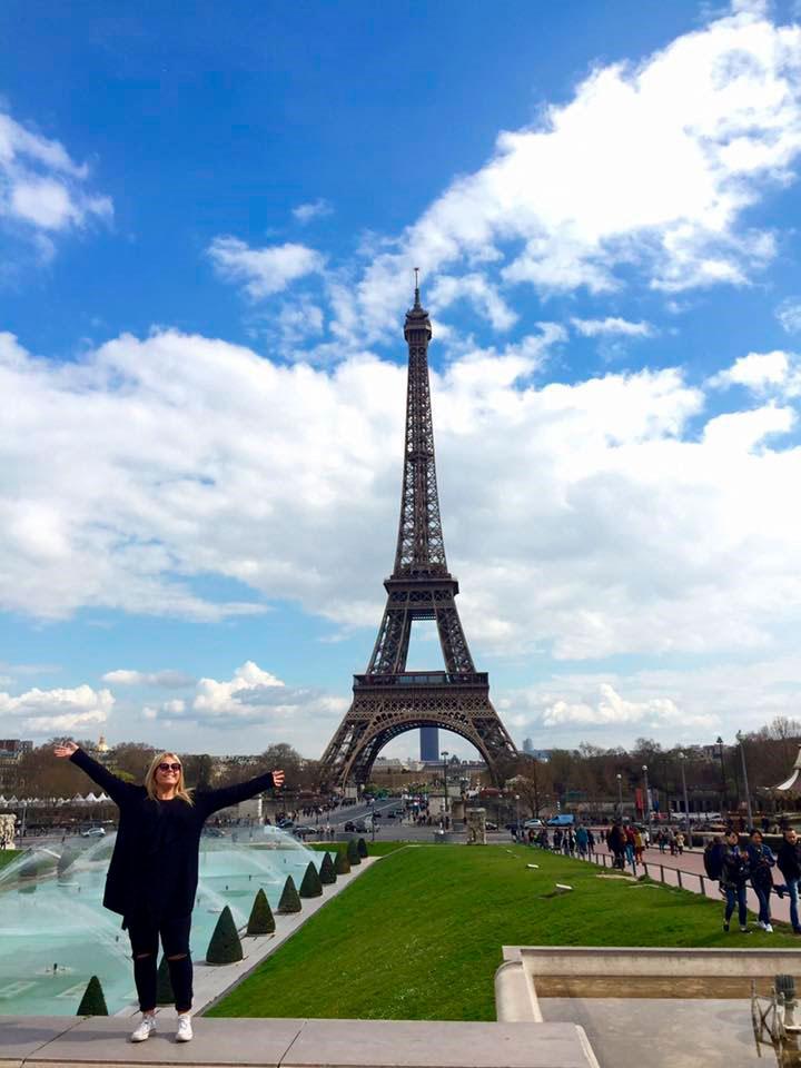 Victoria in Paris